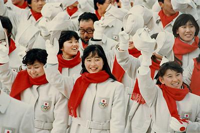 1988年、カルガリー五輪。左が城田憲子氏。